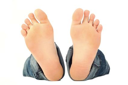 Zwei starke, gesunde Füße