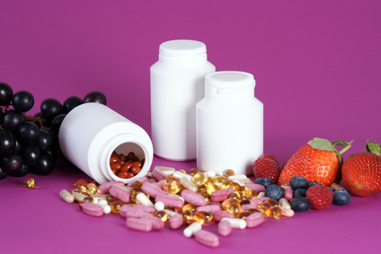 Der Artikel prüft, ob Vitaminpräparate für Kinder geeignet sind.