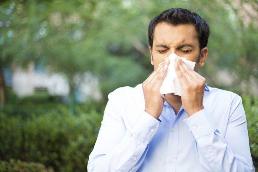 Hatschi bei Hitze: Das sind die Anzeichen einer Sommergrippe