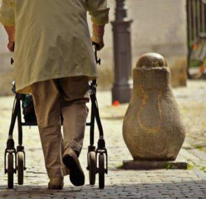 Wie sinnvoll ist die Seniorenbetreuung aus Osteuropa?