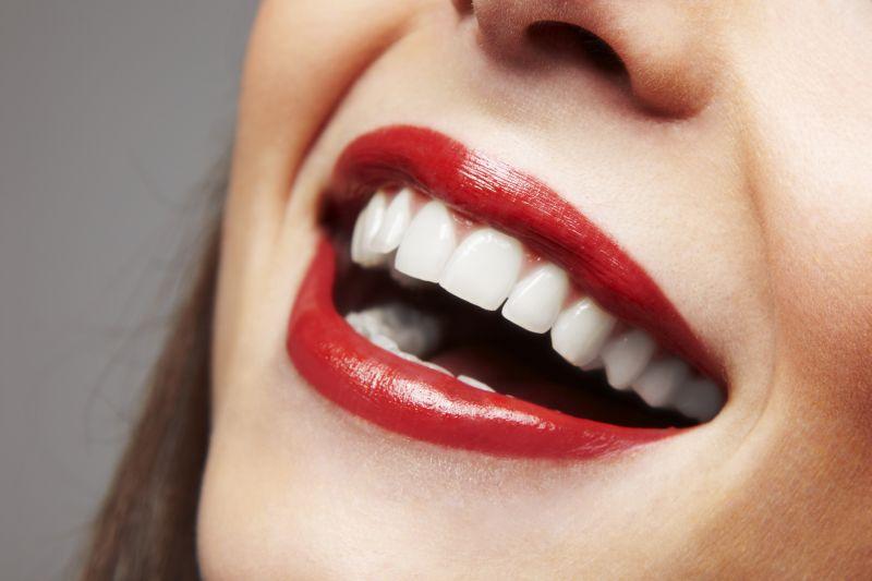 Pflegetipps für gesunde und weiße Zähne